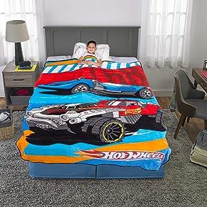 "Franco Kids Bedding Super Soft Plush Microfiber Blanket, Twin/Full Size 62"" x 90"", Hot Wheels"
