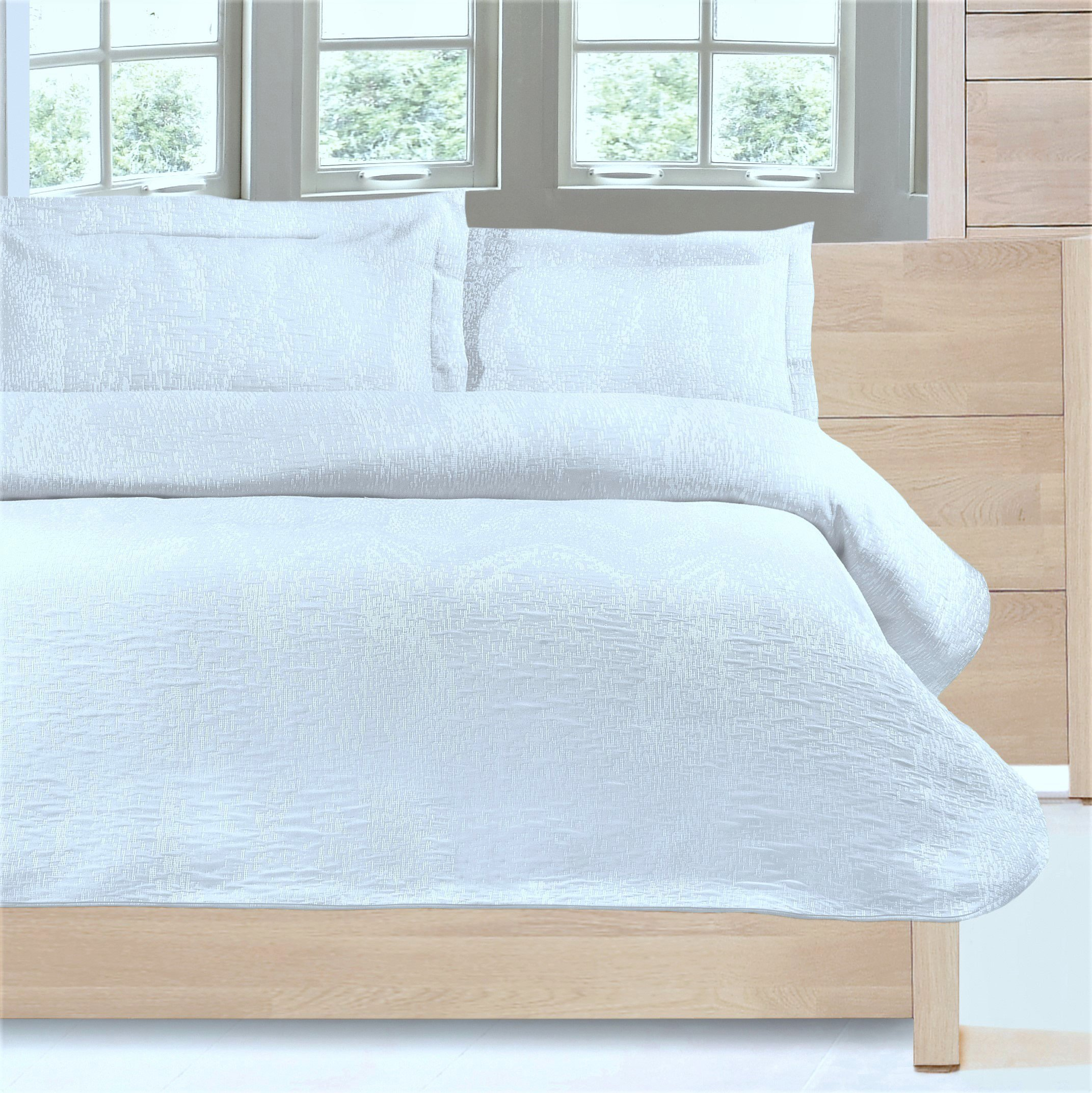 Europa Fine Linens Ikat Matelasse Bedding, Coverlet Twin Size 63-Inch by 88-Inch, White