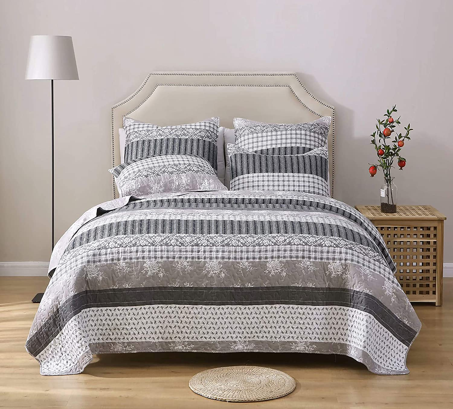 AiJar Home Grey Stripe Floral Patchwork 3-Piece Queen Size (88 x 92) Quilt/Bedding Set with Pillow Shams, Modern Chic Printed Pattern, Lightweight Microfiber Bedspread/Coverlet/Bed Cover