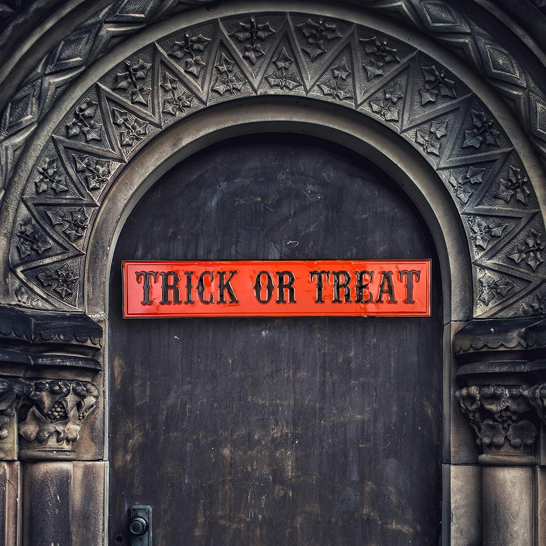 Glitzhome Halloween Door Decorations 36/×7 Inch Metal Trick or Treat Sign Halloween Door Decoration Hanging Trick or Treat Halloween Front Door Sign Porch Sign Fall Halloween Decor