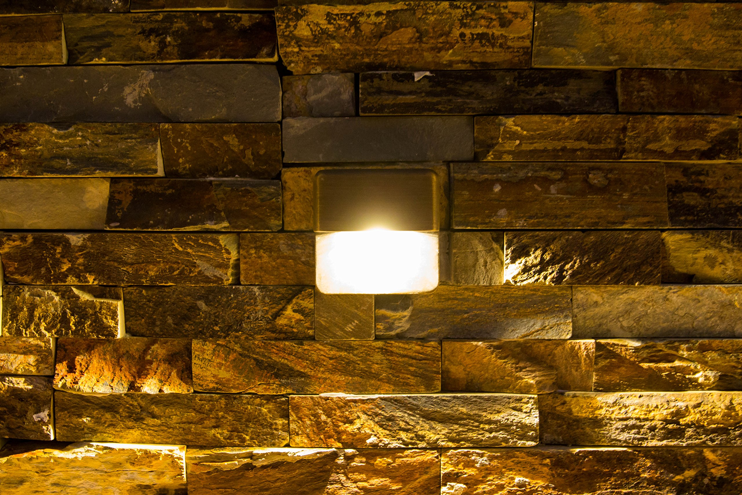 LFU Dallion Brass LED Deck and Step light. Clear glass. Built in 1W LED. Polaris Series. Antique Bronze Finished. LF-5007-AB-LED