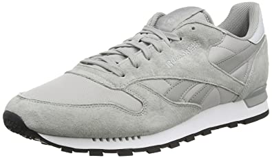780230b7053 Reebok Men s Classic Leather Re Clip Low-Top Sneakers