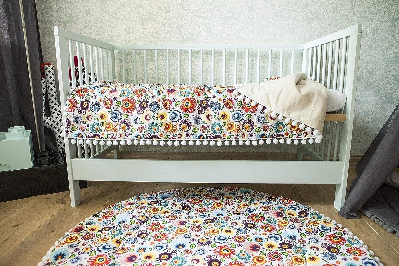 Pom pom blanket, baby blanket patters, toddler blanket, baby blankets, baby blanket size L, baby girl blankets, baby boy blankets, round rug minicampLT