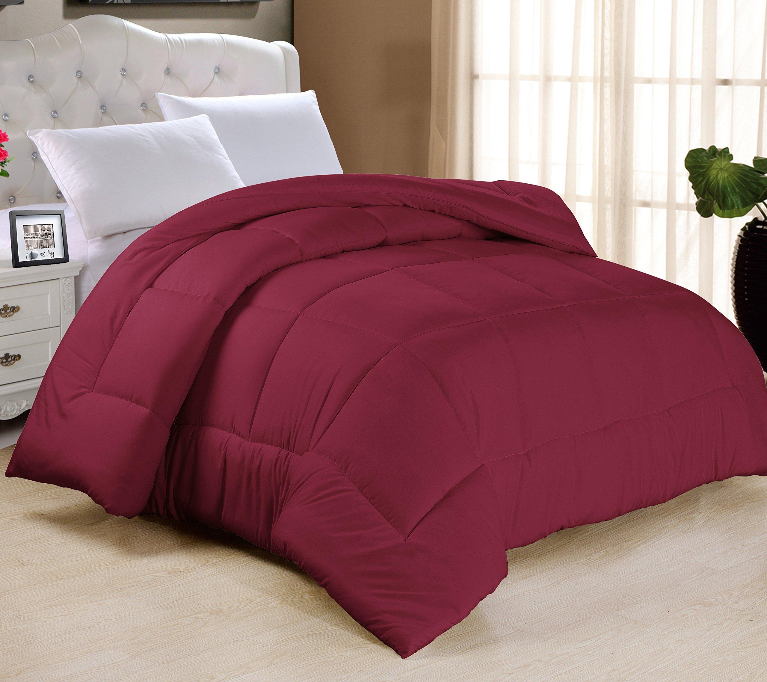 Swift Home All-season Extra Soft Luxurious Classic Light-Warmth Goose Down-Alternative Comforter, Full 78'' x 90'', Burgundy