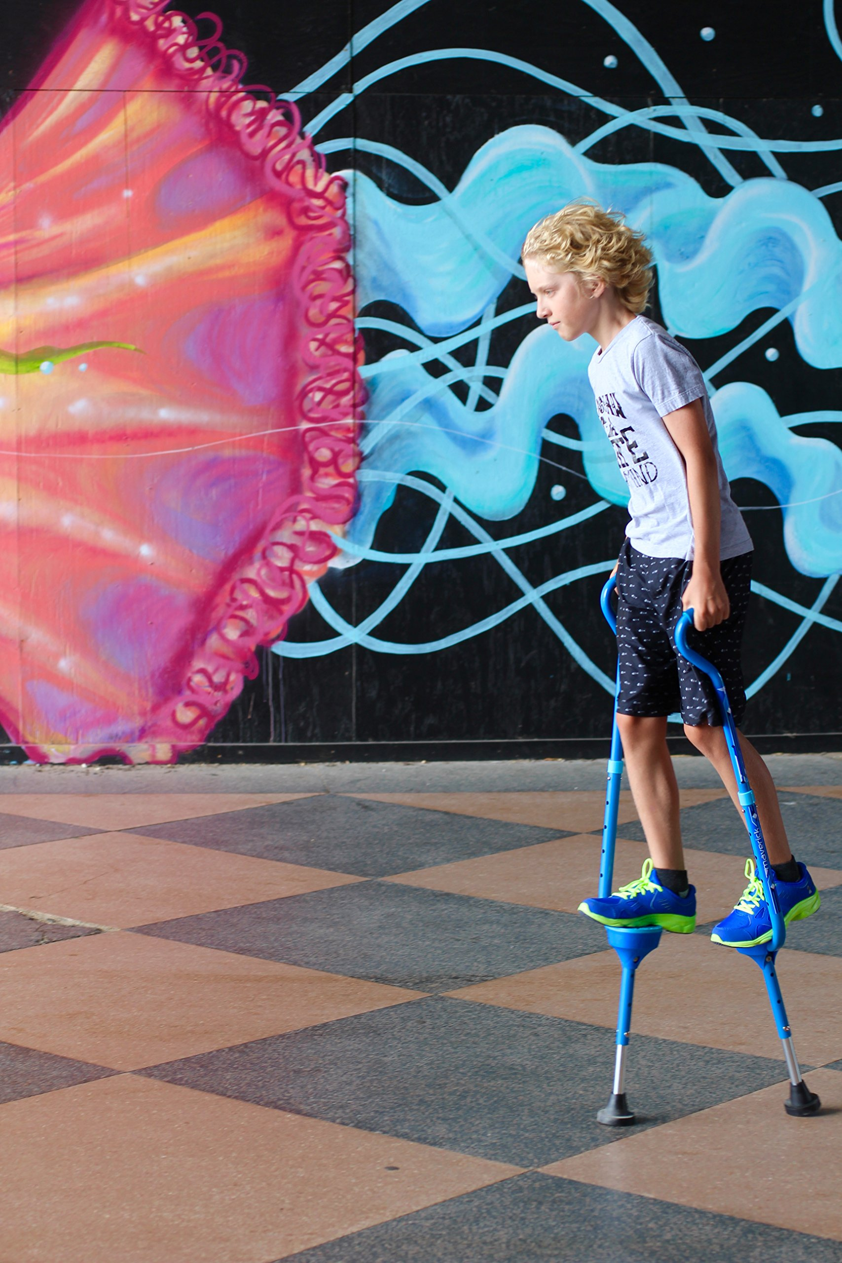 Flybar Maverick Walking Stilts for Kids Ages 5 +, Weights Up to 190 Lbs - Adjustable Foam Handles with Wide Stance Foot Pegs - Fun Outdoor Toys for Girls & Boys by Flybar (Image #5)