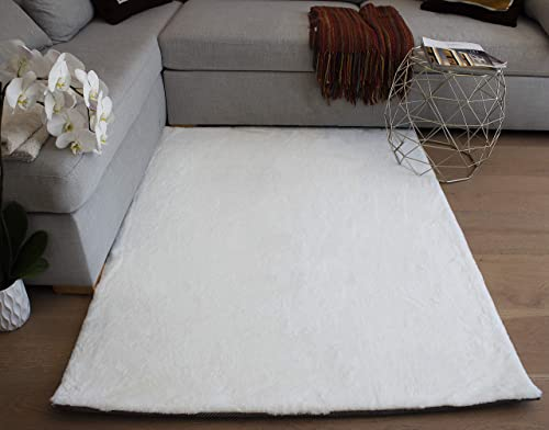 LA Faux Rabbit Skin Bunny Skin Rabbit Hide Natural Throw Feel Furniture Furry Large Animal Hide 4-Feet-by-6-Feet Polyester Made Area Rug Carpet Rug White Color