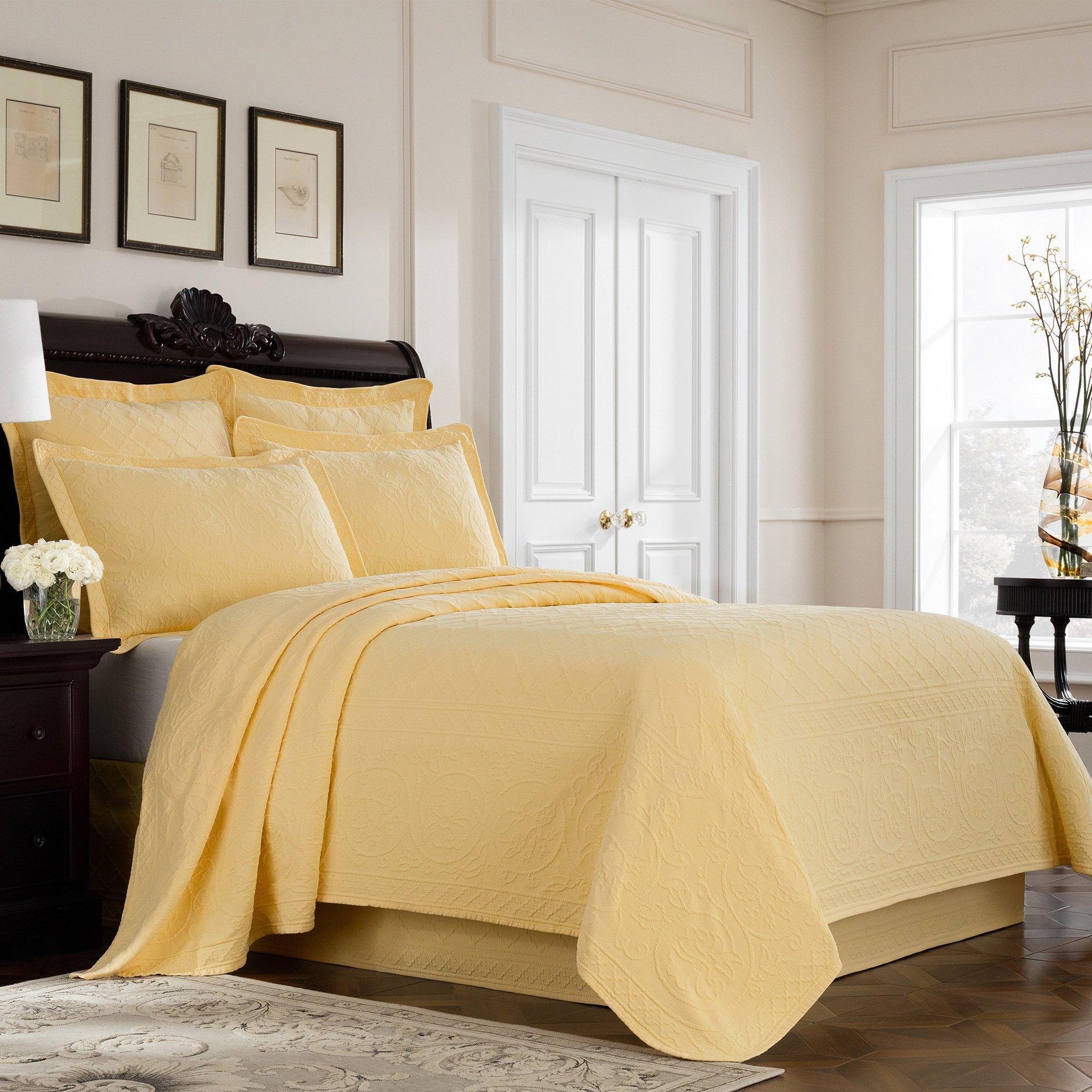 Williamsburg 048975018330 King Richmond Bedskirt - Yellow King Richmond Bedskirt,Yellow
