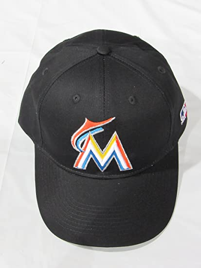 58eb0878d1e42 Amazon.com   MLB Replica Adult Baseball Cap Various Team Trucker Hat  Adjustable MLB Licensed