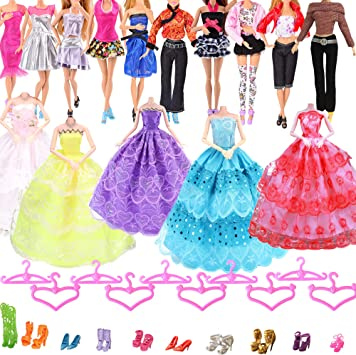 Hey Yo Bambola Vestiti Per Barbie 11 Accessori Bambola 35 Pezzi Incluso 5 Abito Da Sposa 10 Moda Abbigliamento Casuale Vestiti 10 Appendiabiti 10 Scarpe Regali Di Natale Amazon It Giochi E Giocattoli