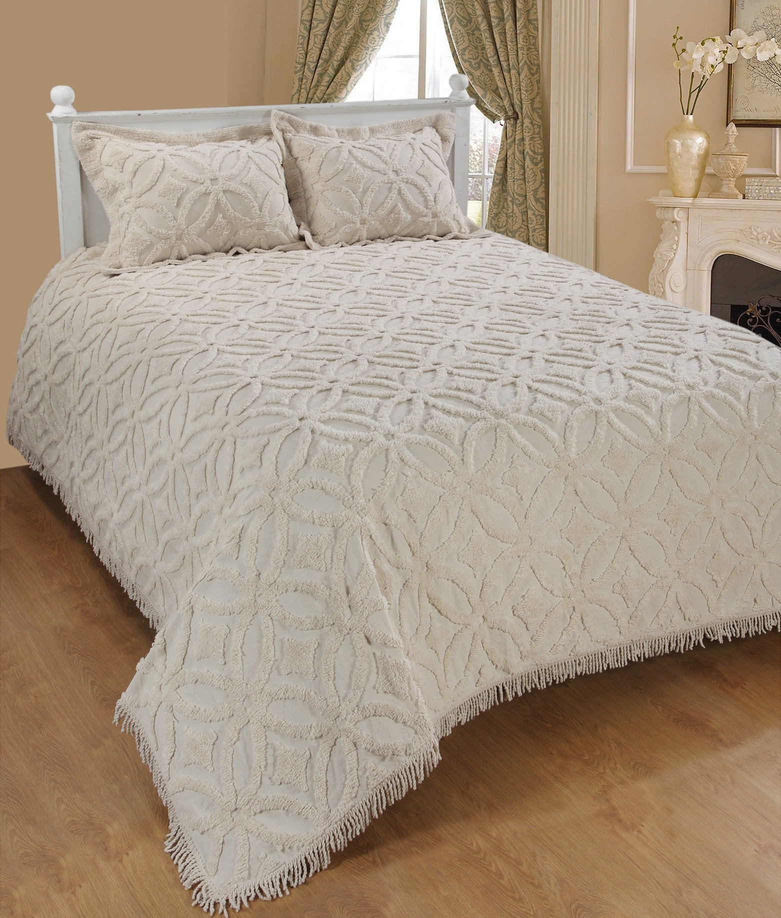 Saral Home Fashions Grace Chenille Bedspread with Two Sham, Queen, Ivory (Bedspread-118x102 inches, Sham-26x20+2 inches)
