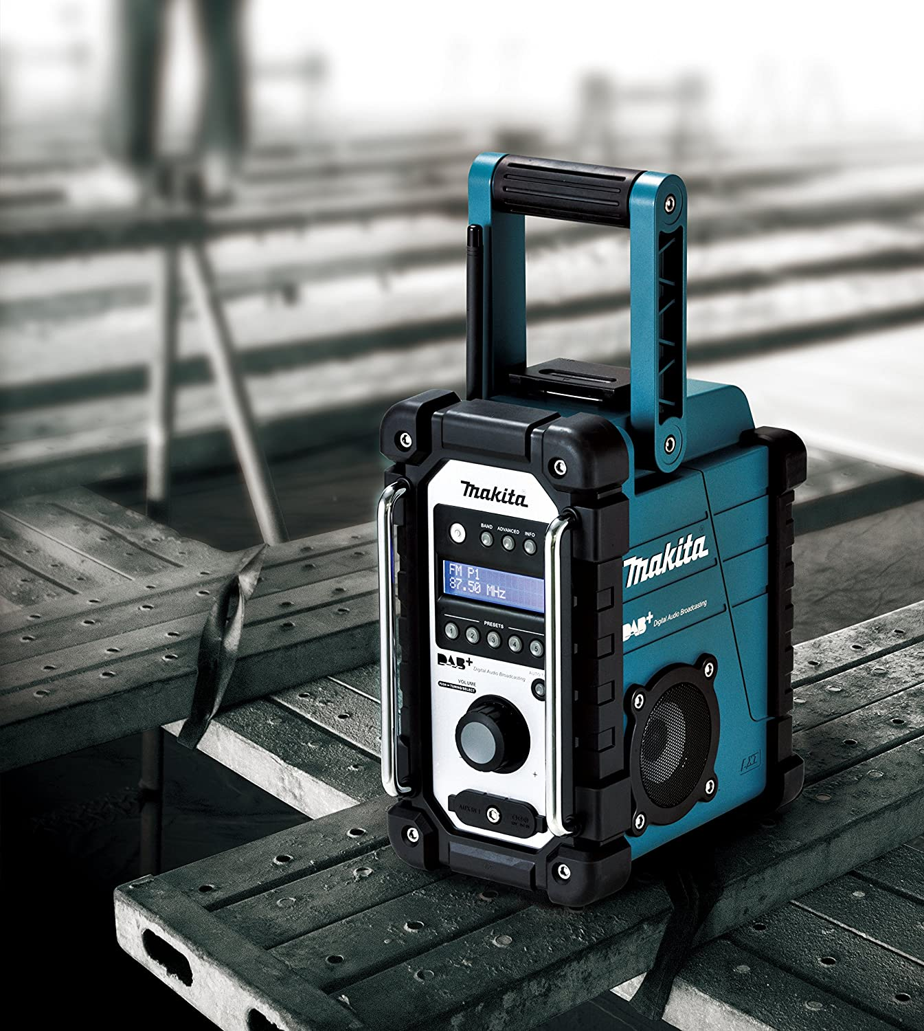 916Q8tXIwKL._SL1500_ makita dmr105 portable stereo ( digital audio broadcast (dab  at mifinder.co