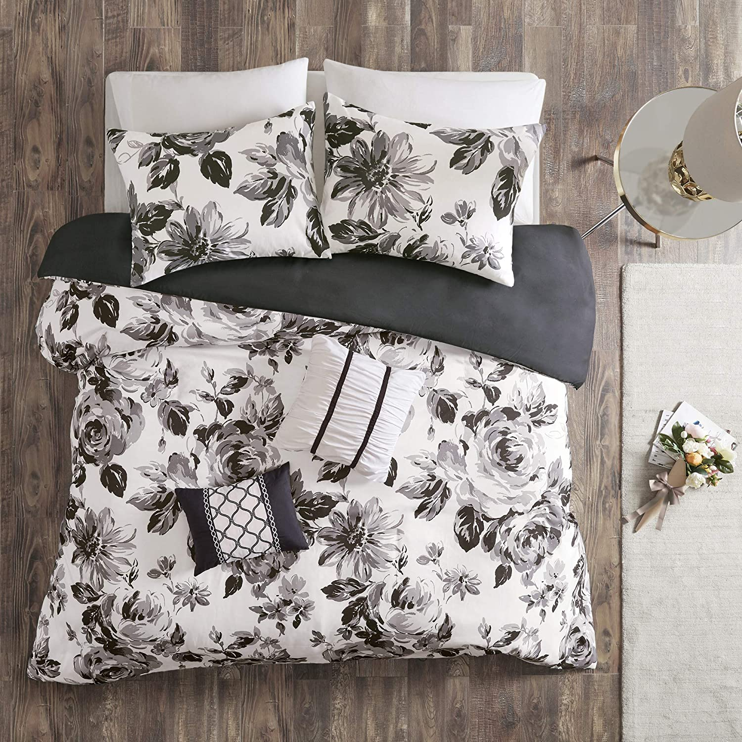 Intelligent Design Dorsey Duvet Cover Reversible Flower Floral Metallic Printed 100% Brushed Ultra-Soft Corner Ties Buttoned Embroidered Pillow All Season Bedding-Set, Full/Queen, Black/White