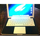 Apple - MacBook Notebook (White) - Intel Core 2 Duo P8400 2.26GHz - 2GB RAM - 250GB HDD - DVD±RW - Nvidia GeForce 9400M 256MB video - 13.3""