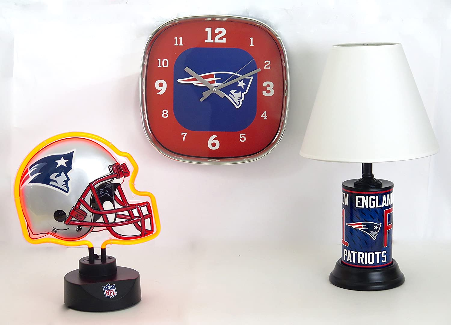 New England Patriots、ヘルメット形状ネオンランプデスクランプ、Walkクロックホームのコアコレクション。Outstanding Accents for Family RoomまたはMan Cave。GREAT GIFT FOR DAD on父の日。   B07D7HG1X8