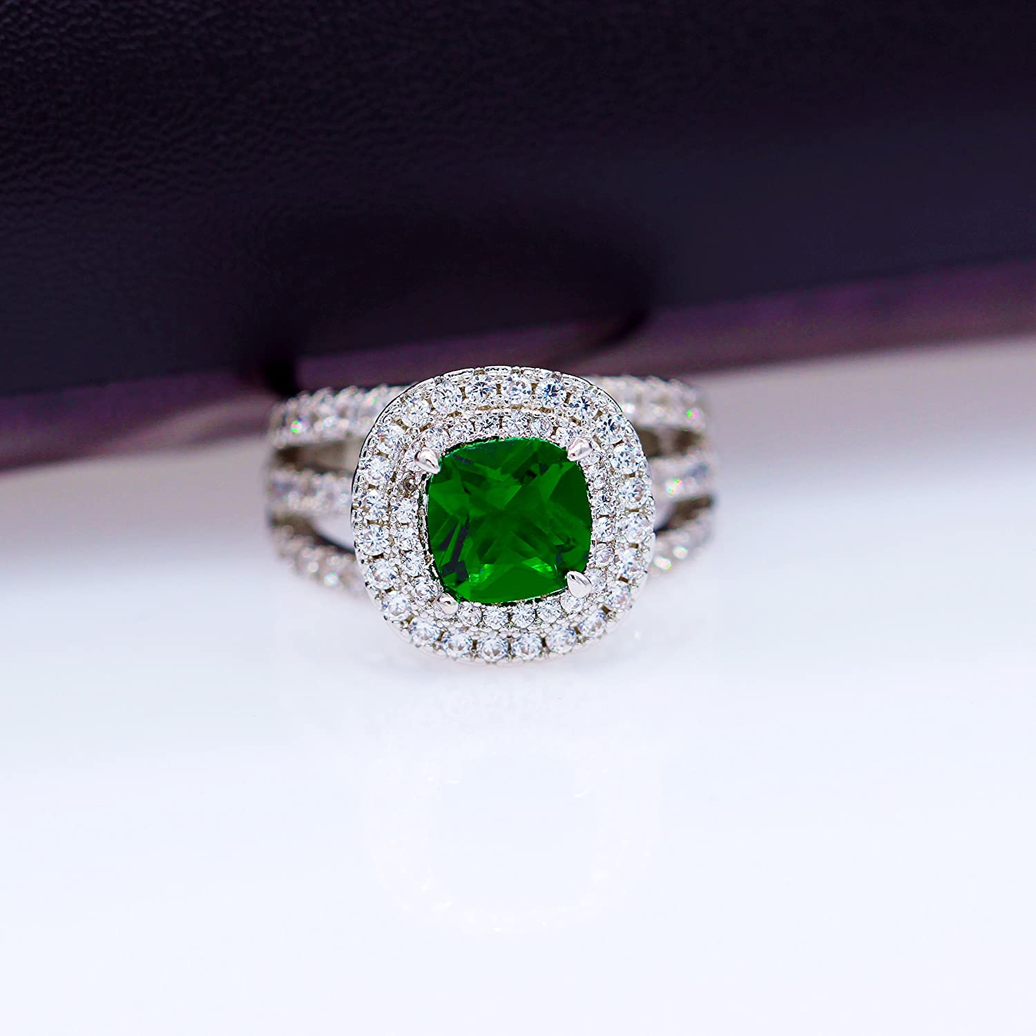 Uloveido Large Simulated Emerald Statement Halo Cocktail Ring with Green Crystal for Women Party Anniversary RJ213