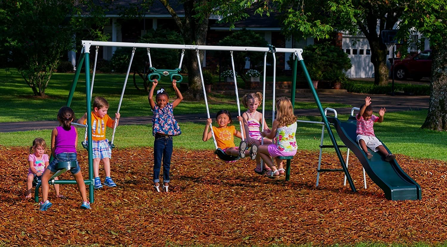 Amazon.com: Flexible Flyer Backyard Fun Swing Set with Plays: Sports &  Outdoors