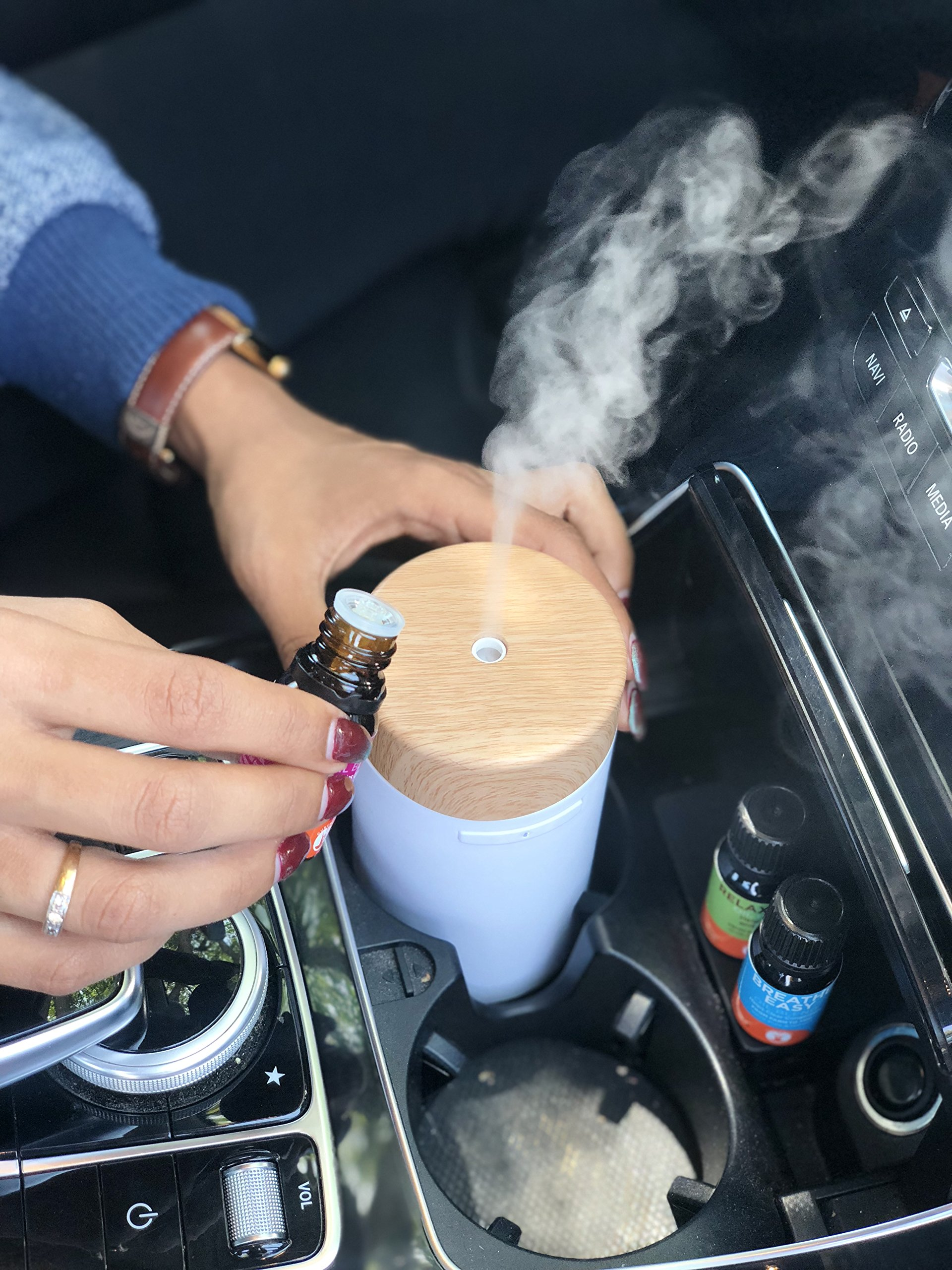 GuruNanda Portable White Essential Oil Diffuser for Car, Home, Office ~ Aromatherapy Ultrasonic Mist Essential Oils Diffusers ~ Travel-Size, Humidifiers No water needed, Fits in Cup Holder! by GuruNanda (Image #4)