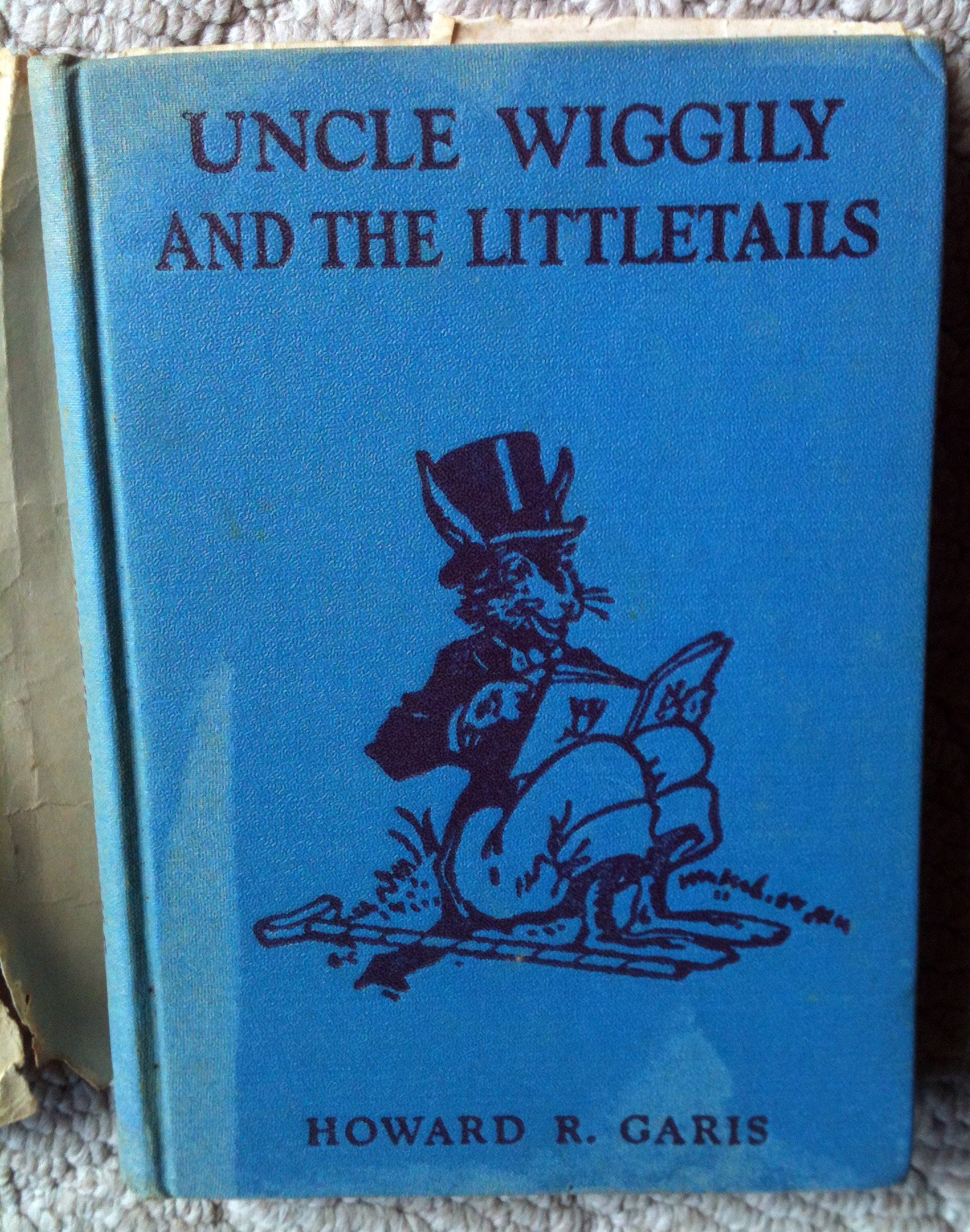 Uncle Wiggily and the Little Tails: Howard R. Garis: Amazon.com: Books