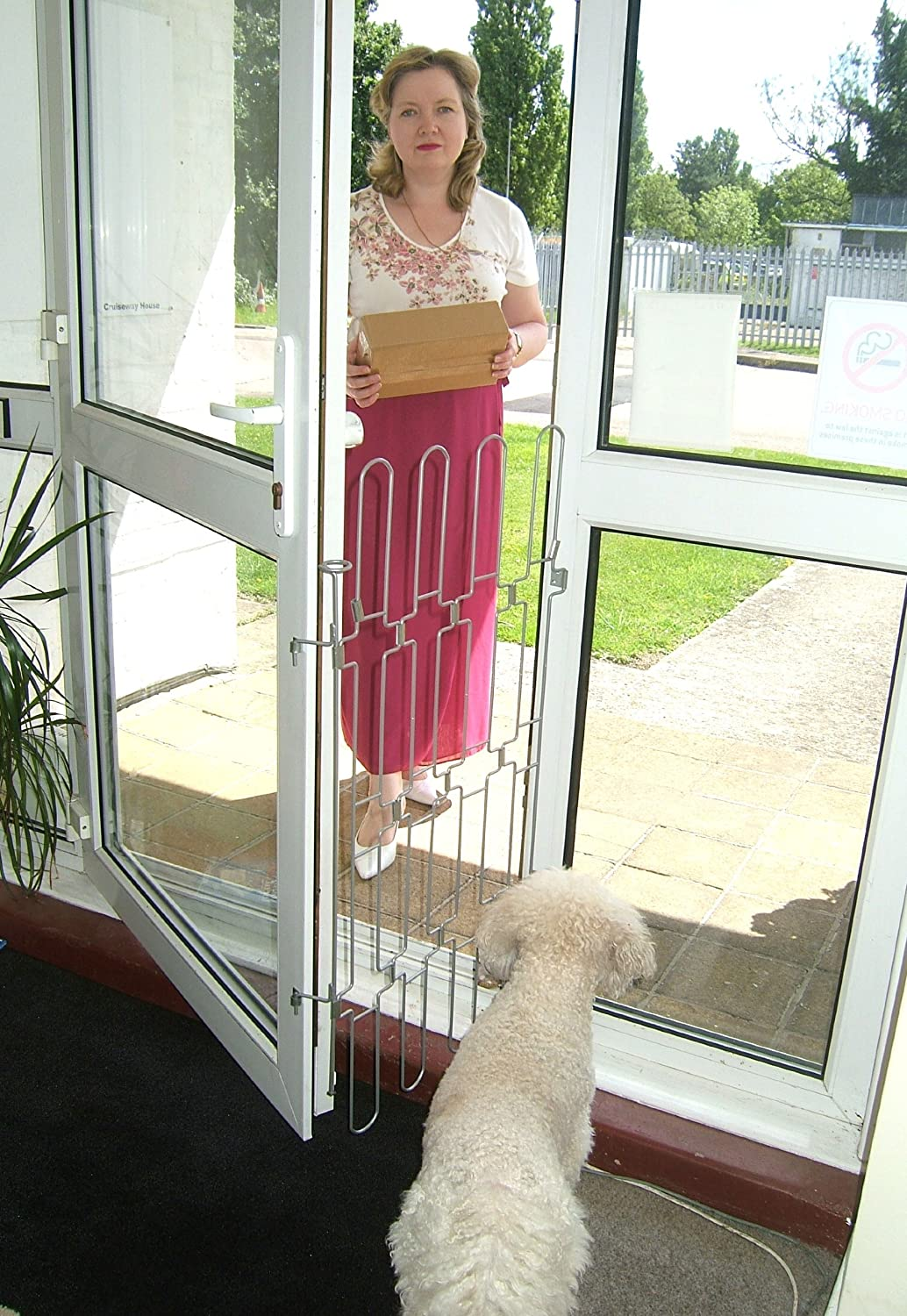 button push safety dp with release baby stairway or for ivation amazon outdoor locking in indoor gates use com doors system doorway door dogs gate timed mesh retractable