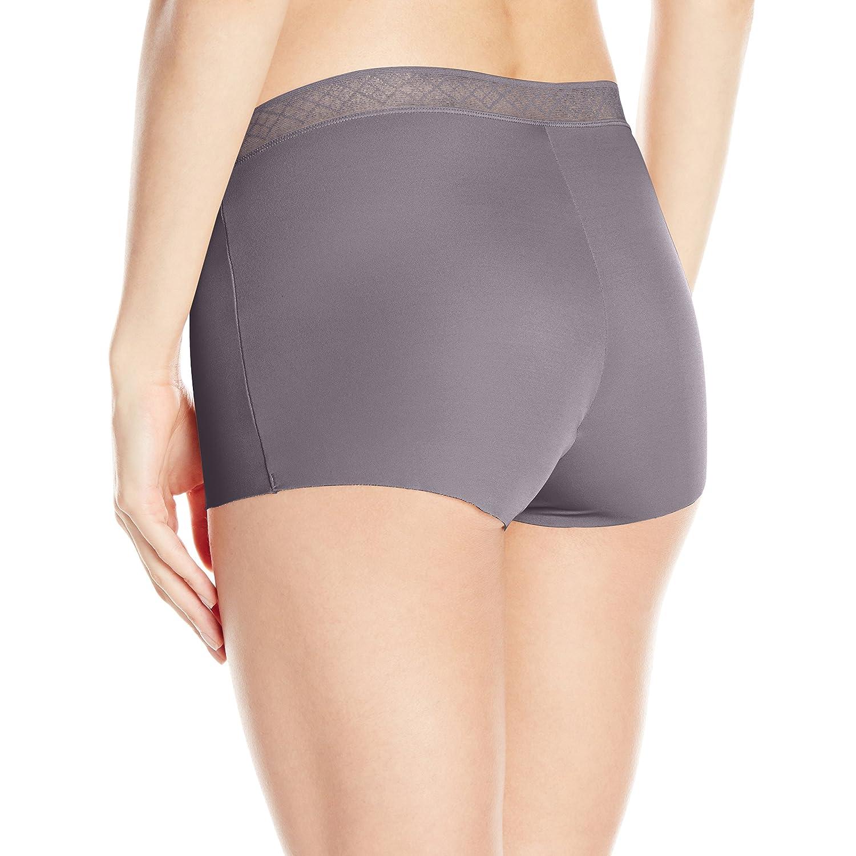 Vassarette Women/'s Invisibly Smooth Boyshort Panty 12383