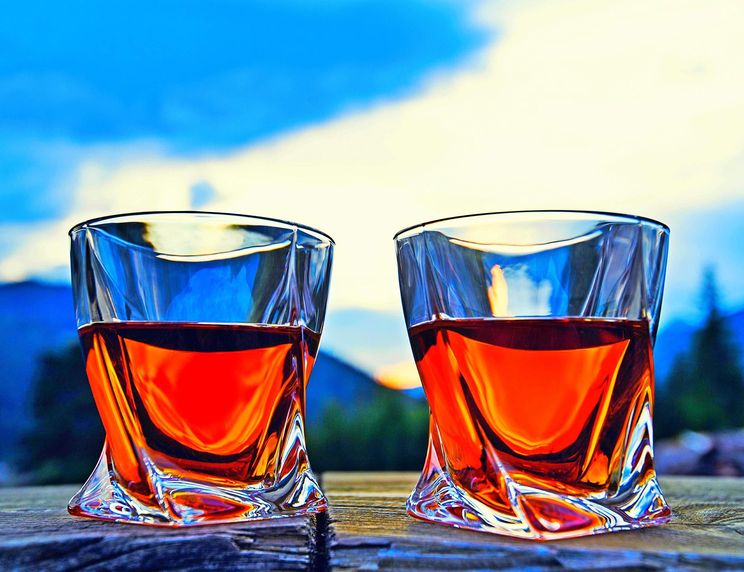 Venero Crystal Whiskey Glasses, Set of 4 Rocks Glasses in Gift Box – Lowball Bar Glasses for Drinking Bourbon, Scotch…