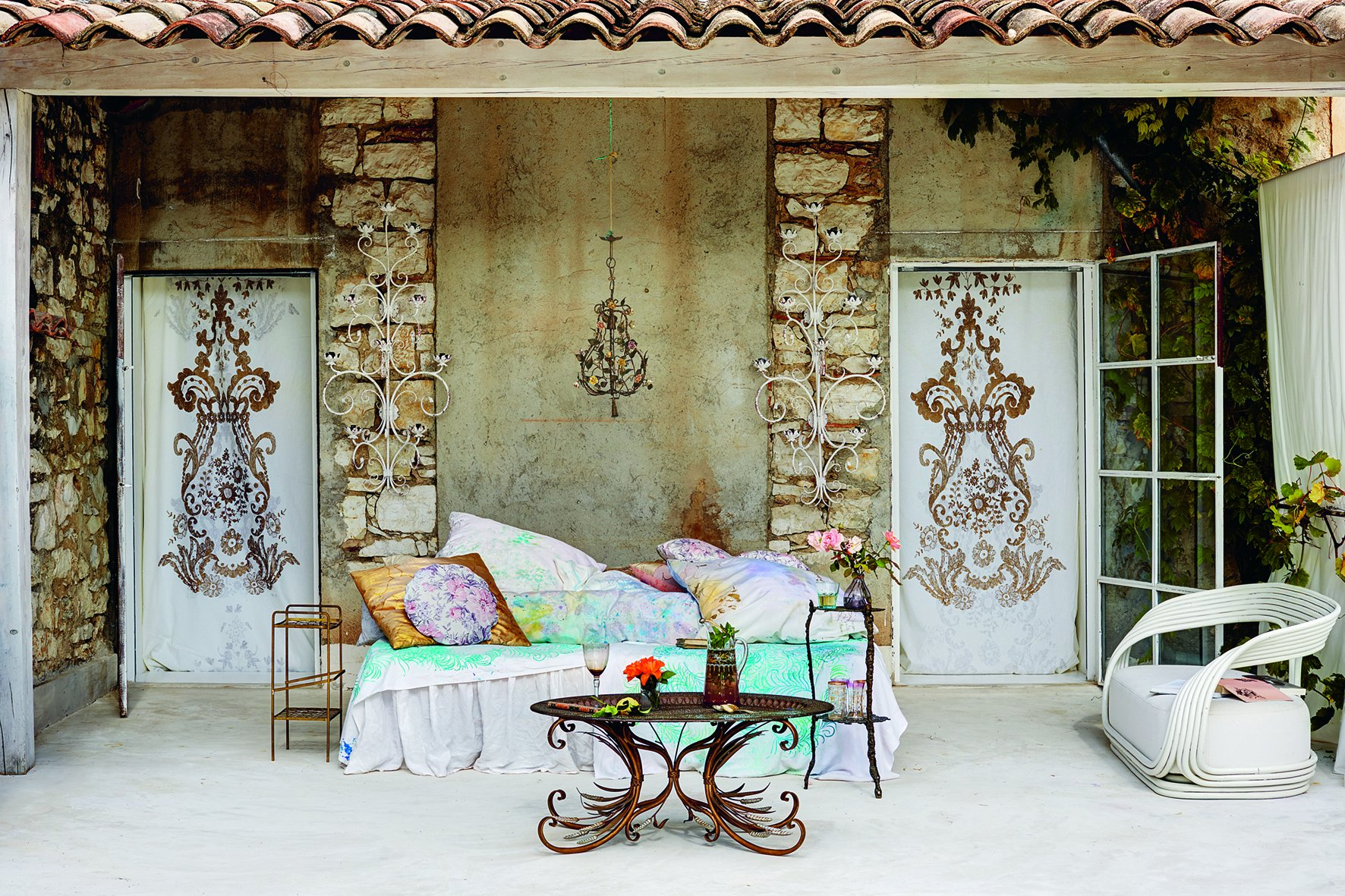 Modern Living Grandiflora by teNeues (Image #4)