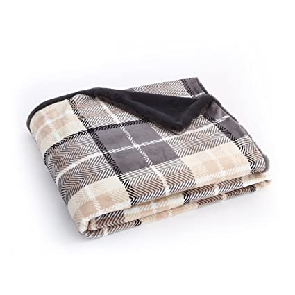 EverGrace Flannel Throw Blanket Gray Faux Fur 100% Microfiber Polyester  Cozy Plaid Print Bedding Blanket