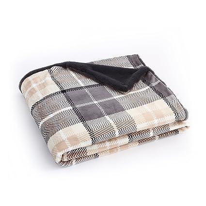 EverGrace Flannel Throw Blanket Gray Faux Fur 100% Microfiber Polyester  Cozy Plaid Print Bedding Blanket