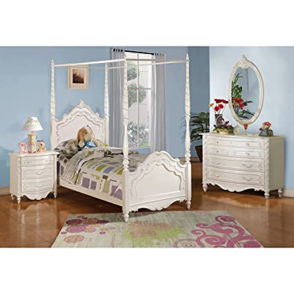 Amazon.com: Acme Furniture Pearl 5-Piece Canopy Bedroom Set in Pearl ...