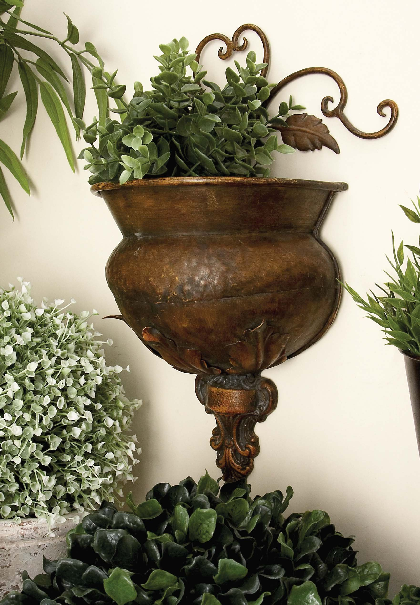 Deco 79 Metal Wall Planter Rare to Find Elsewhere Utility Decor by Deco 79