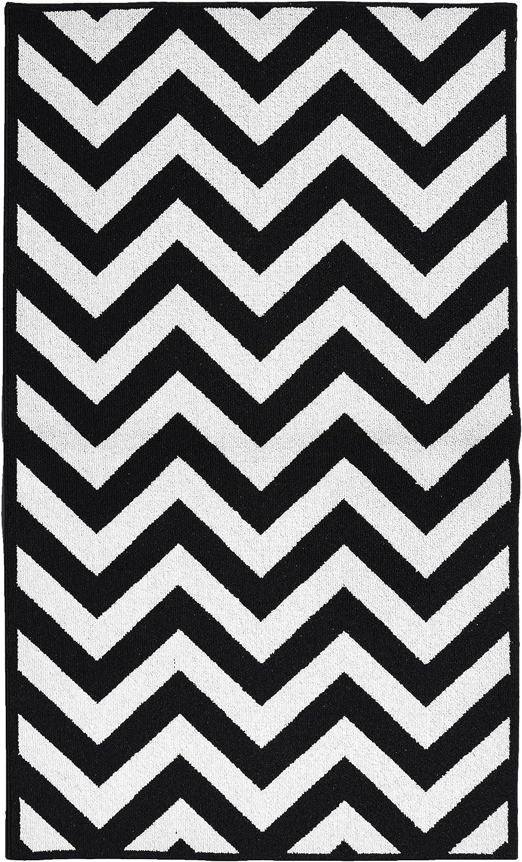 Amazon Com Garland Rug Chevron Area Rug 5 By 7 Feet Large Black White Furniture Decor