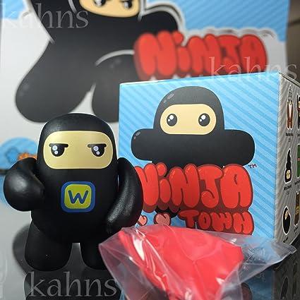 Amazon.com: Kidrobot Ninja Town Wee vinilo Series 1 – Super ...