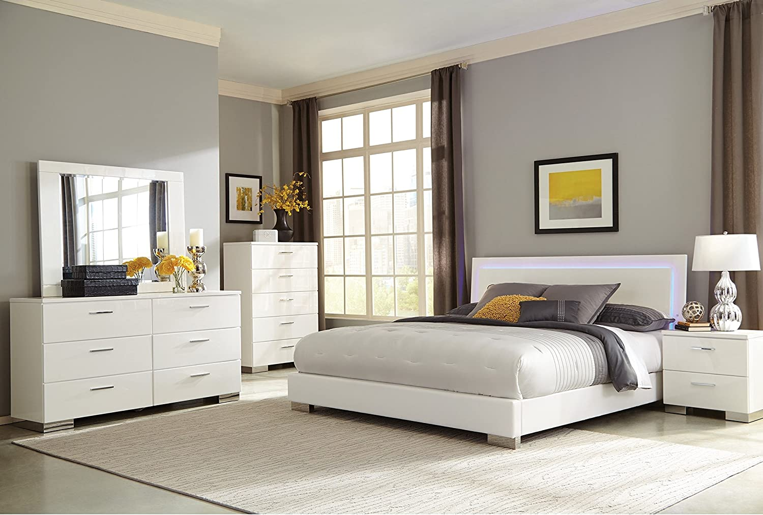 Coaster Home Furnishings Bedroom Furniture Set, Queen, Glossy White