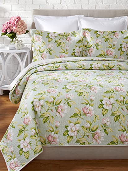 Amazon Com Laura Ashley Carlisle Quilt Set King Mist Home Kitchen