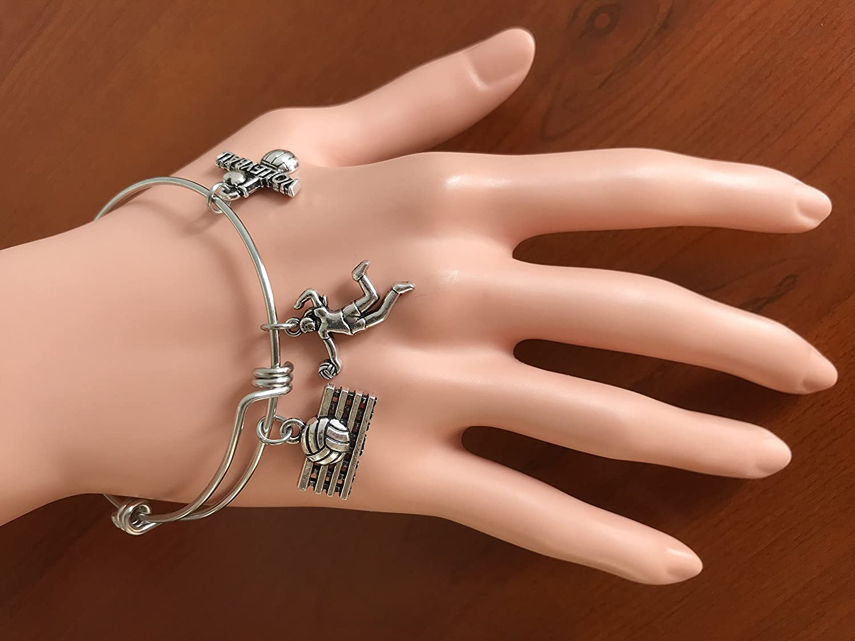 Hazado Sports Team Inspirational Bangle Bracelet for Her She Believed She Could So She Did Bracelet