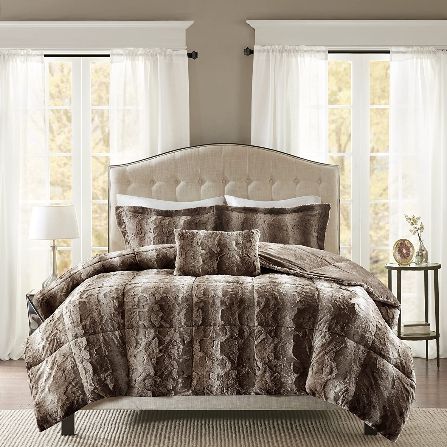 Madison Park Zuri Faux Fur Bedroom 4 Pieces Animal Print Bed Comforter Set, King, Chocolate
