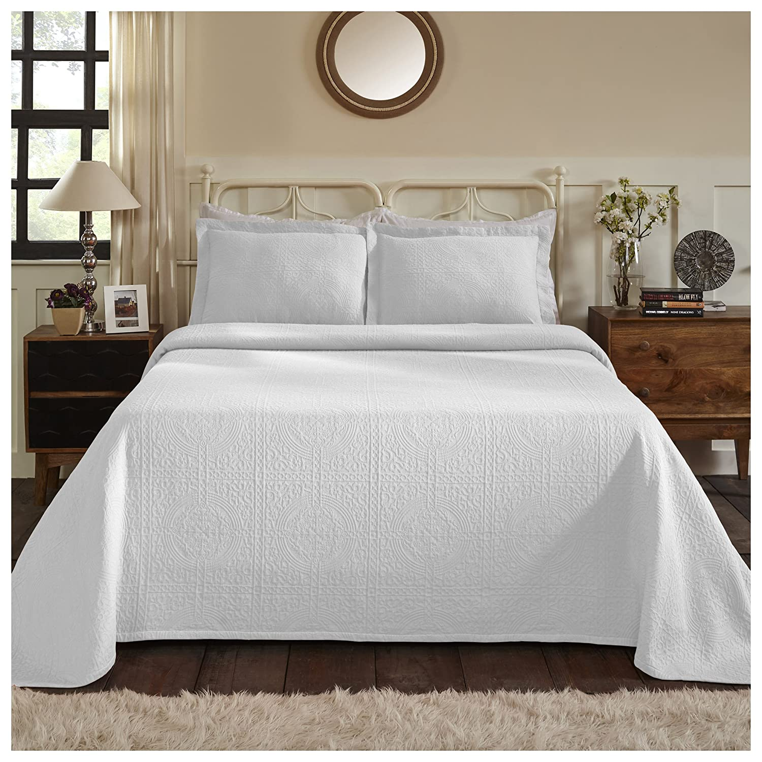 White Full Superior 100% Cotton Medallion Bedspread with Shams, All-Season Premium Cotton Matelassé Jacquard Bedding, Quilted-look Floral Medallion Pattern - Queen, White