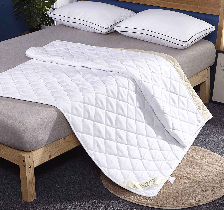 敷きパッドとベッド