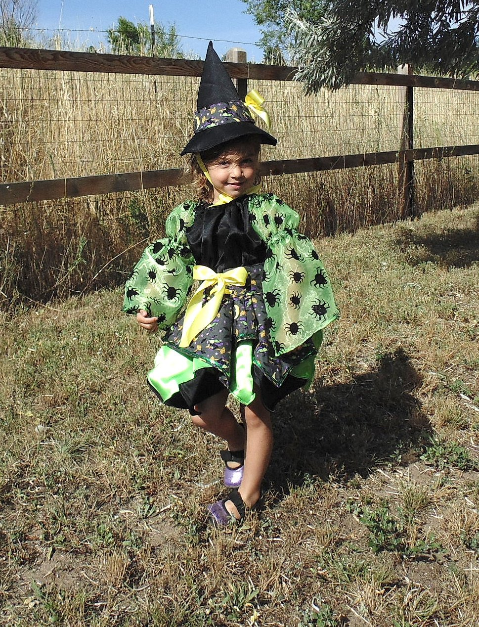 Girls 4T Little Witch in Green