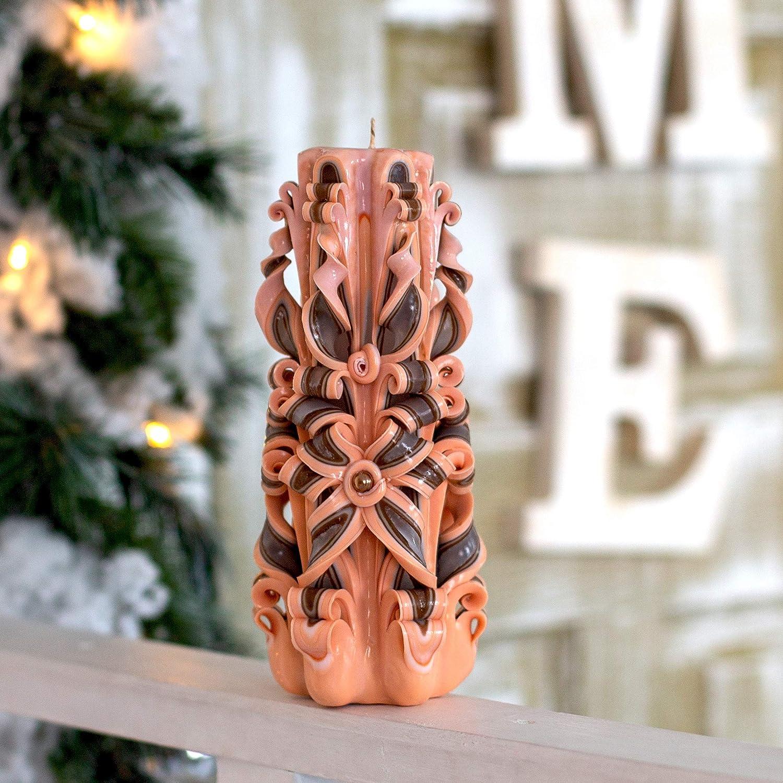 Bougie sculpt/ée dans un pilier brun beige Id/ée de cadeau unique fait main pour elle et lui f/ête des m/ères P/âques No/ël