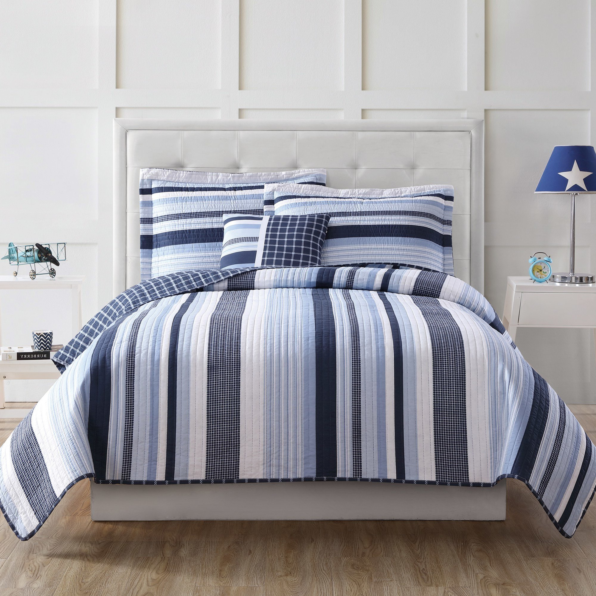 3 Piece Blue White Stripes Pattern Quilt with Bonus Pillow Twin Set, Elegant Windowpane Plaid Stripe-Inspired Design, Casual Check Print Reversible Bedding, Bright Colors, Classic Style, for Unisex