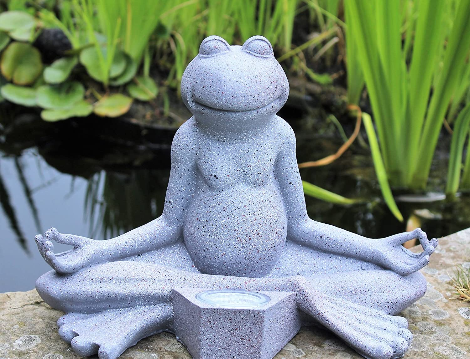 HOME HUT Yoga Frog Garden Ornament Decor Solar outdoor Home and Garden Products Ltd