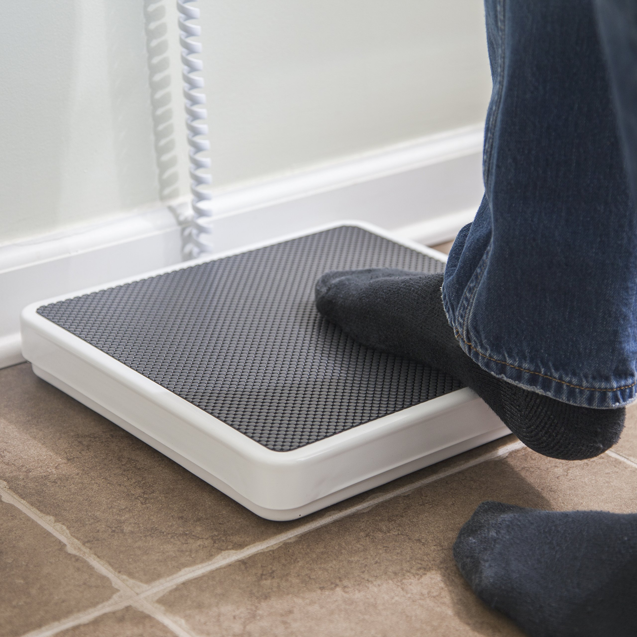 Medical Heavy Weight Floor Scale: Digital Easy Read and High Capacity Health, Fitness and Physician Portable Scale with Battery, AC Adapter & Bag - Pound and Kilogram Settings - 550 lb / 249 Kg Limit by Patient Aid (Image #5)