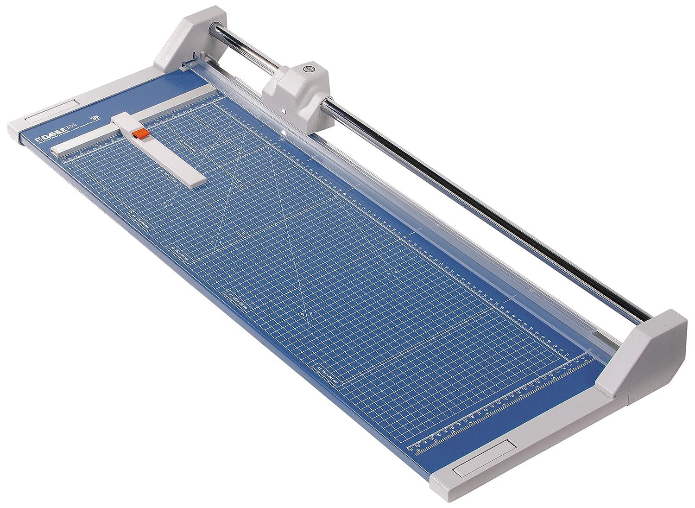 Ein Schneidegerät ist unerlässlich für saubere Kanten. Ich nutze das große bis zum Format DIN A2 - gibt es natürlich auch kleiner.
