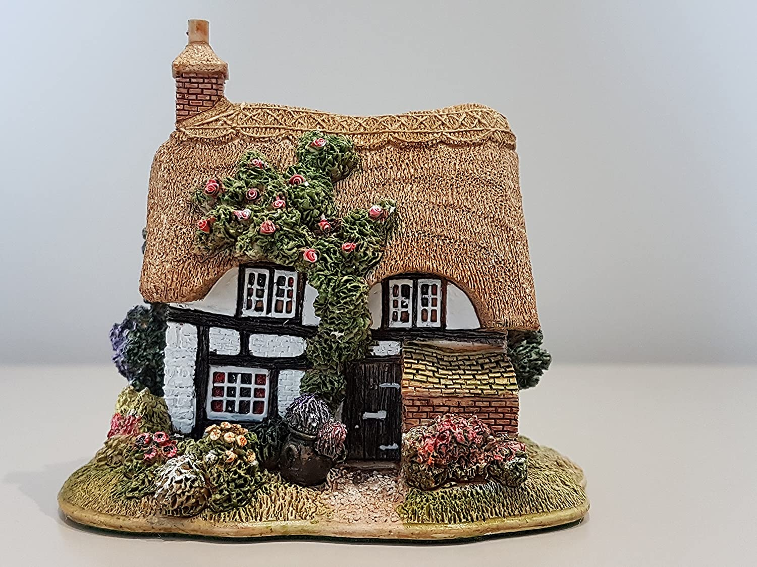 Lilliput Lane - The Poppies Cottage, Made In England