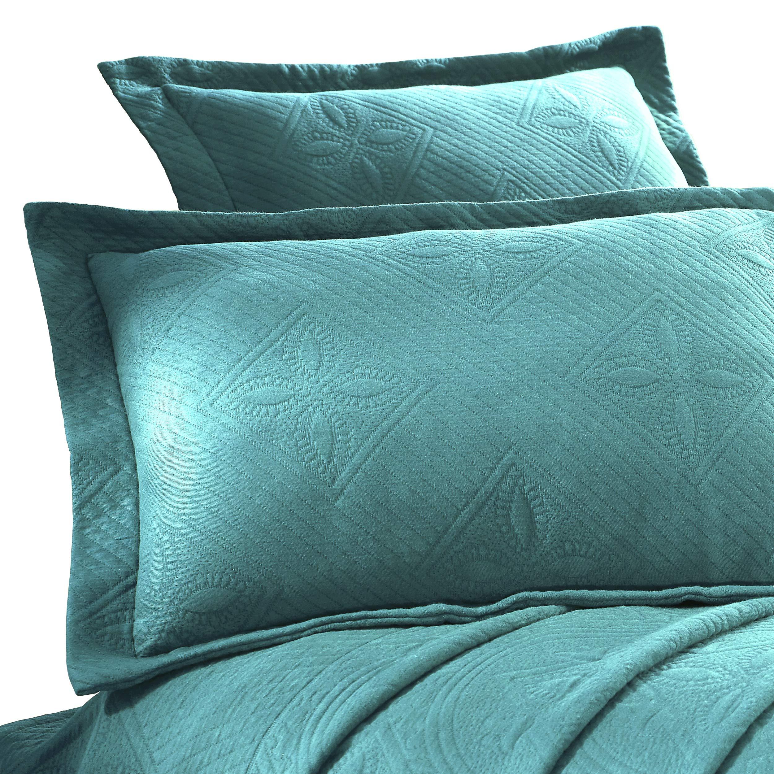 Superior 100% Cotton Celtic Circles 3-Piece Scalloped Bedspread Set, King, Peacock Blue