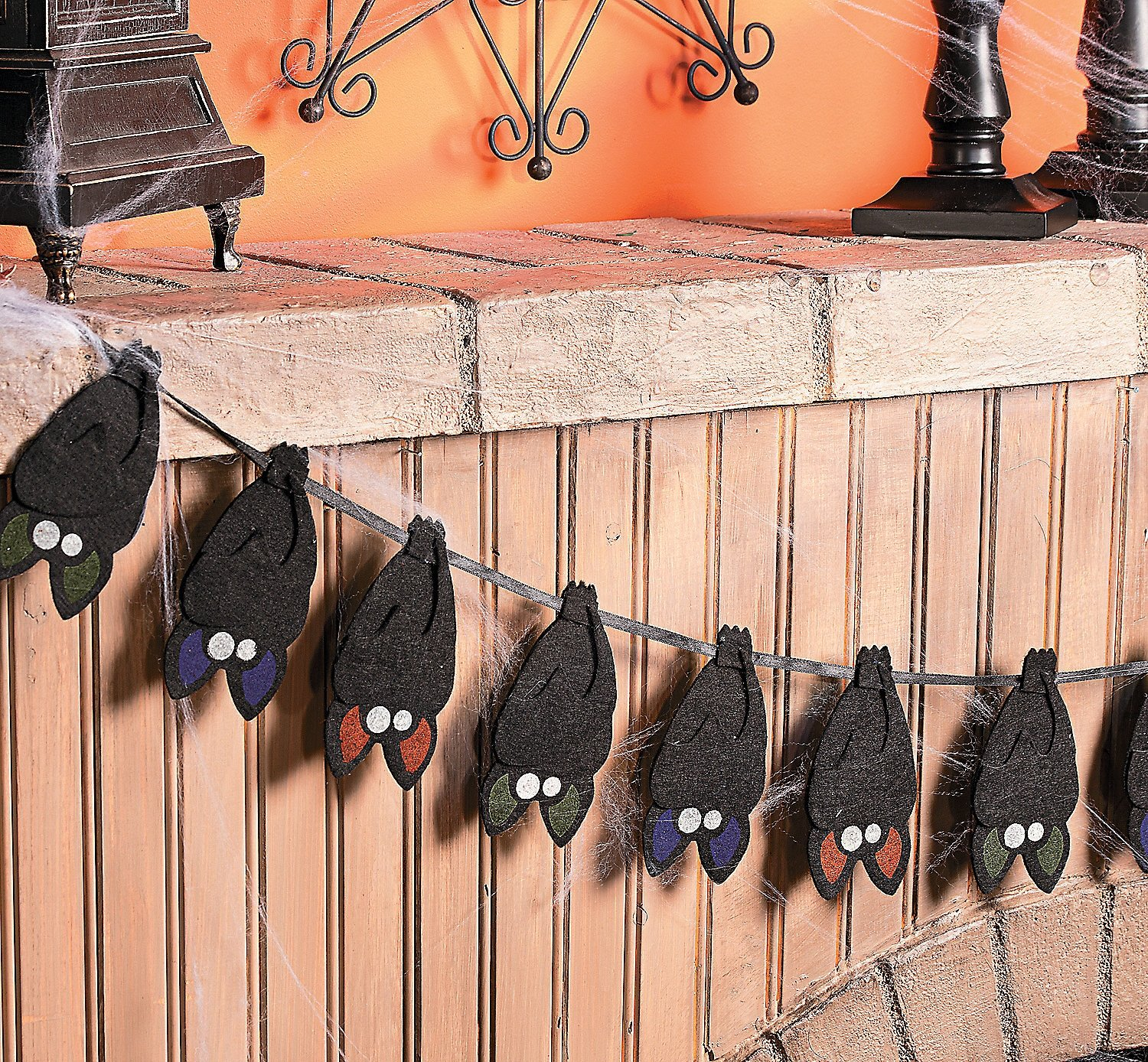 Layered Bat Garland. 5''h Bats. 60''. Felt.