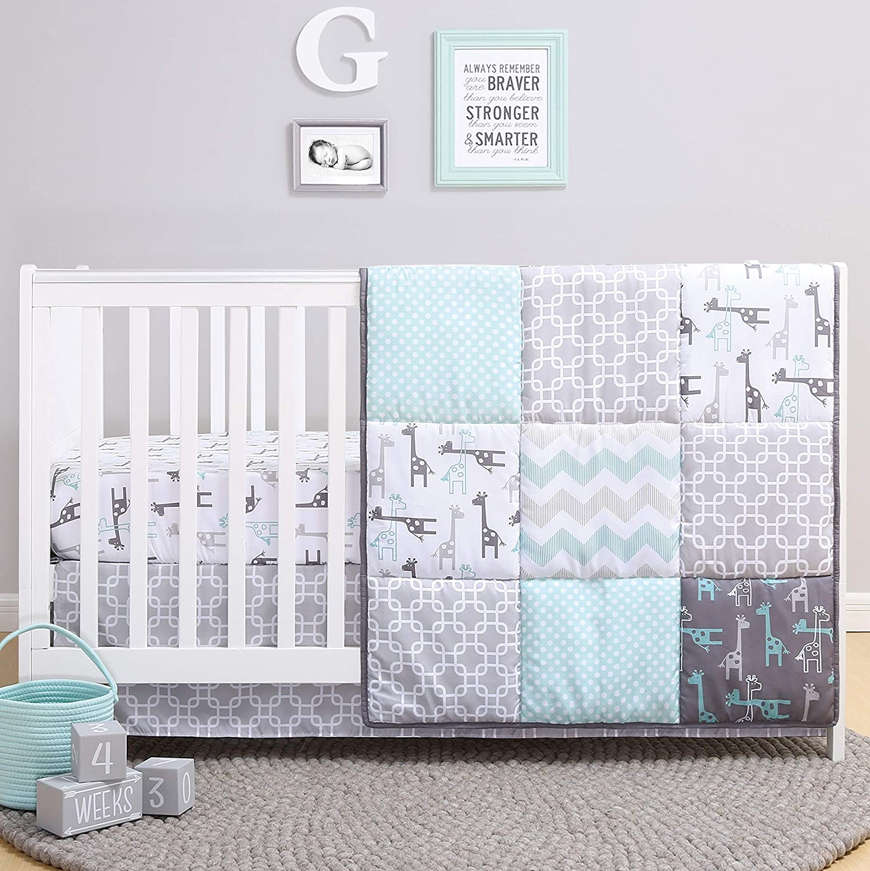 The Peanutshell Giraffe Crib Bedding Set for a Boy, Girl and Unisex Nursery - Baby Quilt
