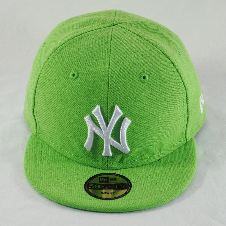 49196bab3cb New Era Infant Baby 59fifty NY Yankees Lime Green MLB Fitted Flat Peak Hat  Cap  Amazon.co.uk  Clothing