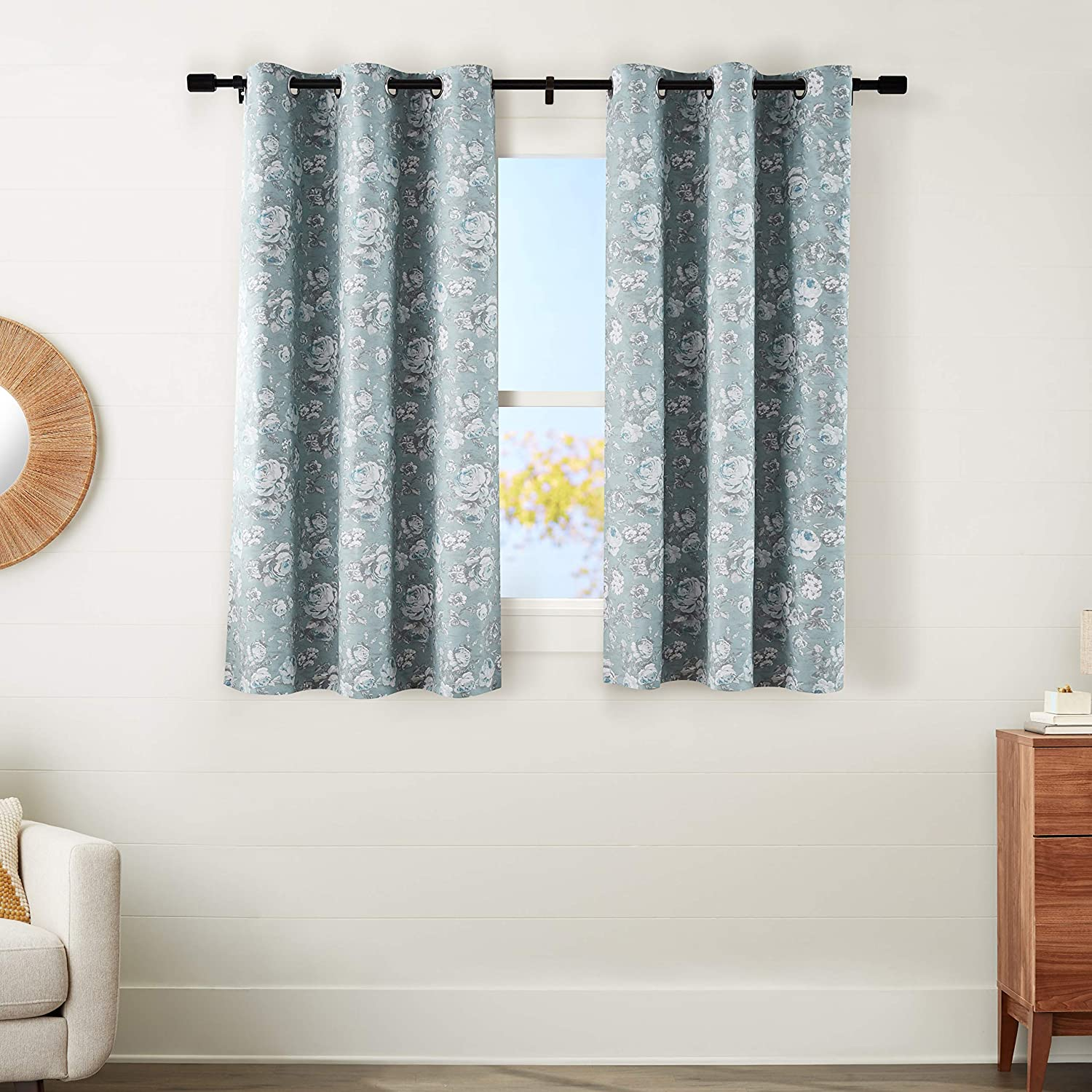 """AmazonBasics 100% Blackout Silky Soft Fabric Window Panel with Grommets and Thermal Insulated, Noise Reducing Blackout Liner - 42"""" x 54"""", Blue Floral"""